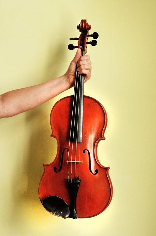 Toen ze de altviool begon te spelen, wilde ze net zo goed worden als op de viool. Om dat onder de knie te krijgen studeerde ze Bach en John Coltrane.