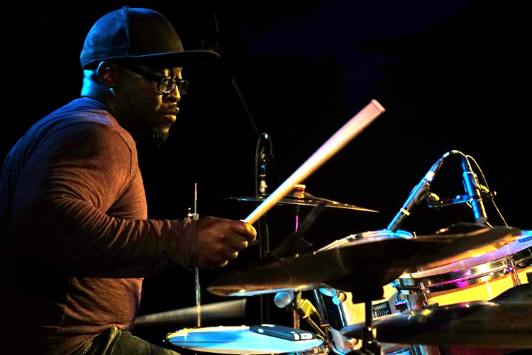 Chaisaray-Schenck_JSF_Jazznu Jonathan Scales plaatst steelpans in mooi jazzkader