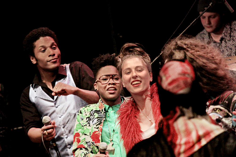 Jared Grant (l.) en Lady Shaynah Redan (2e l.). foto Piet Jan Hartman