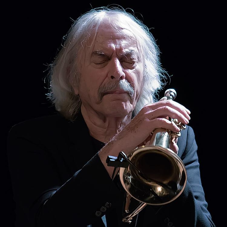 Rava2 Enrico Rava vindt de jazz van nú veel minder interessant