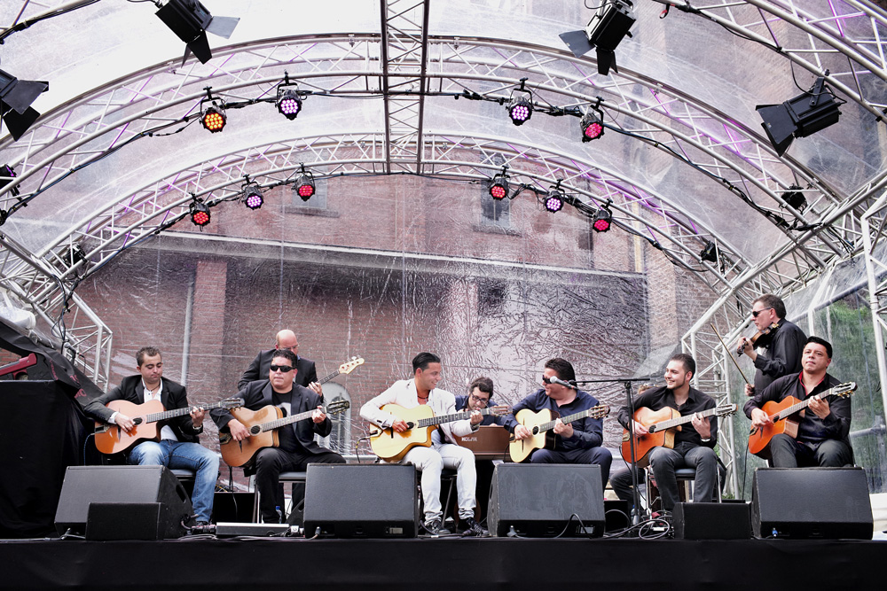 familie International Gipsy Festival is notulist en heraut tegelijk