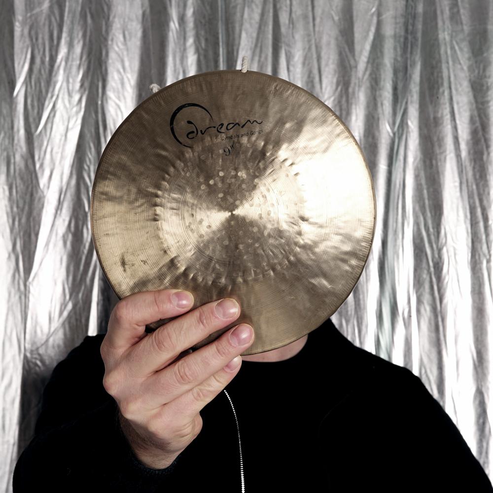 v3 De onbekende verten van drummer Vinsent Planjer