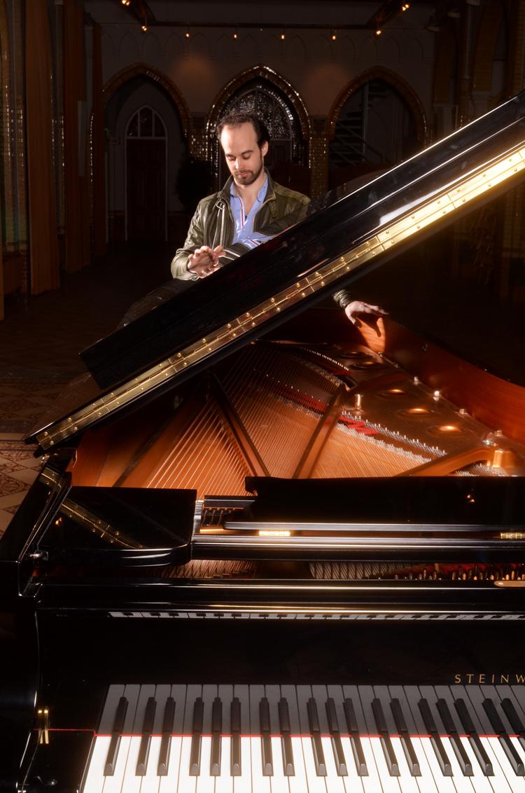 Rogier-Telderman-Foto-Gemma-van-der-Heyden-JazzNu.com_ Een pianist die in zijn eigen landschap wil rondlopen