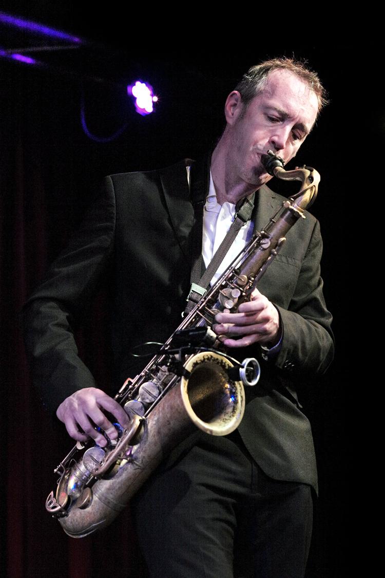 Jake-McMurchie-Foto-Gemma-van-der-Heyden-JazzNu.com_ Get The Blessing drijft op sterk ritmische patronen
