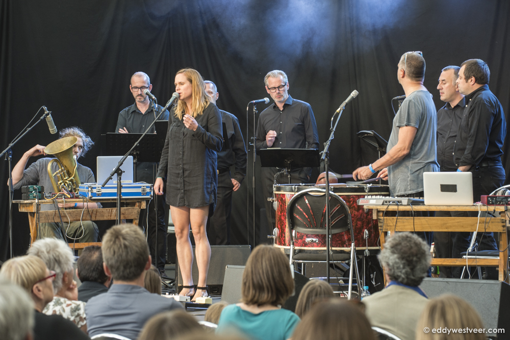 Chantal-Acda-Arc-Sonore_20170804_EW48364_PHOTO-©-EDDY-WESTVEER Fabelachtige Mingus Big Band beheerst Jazz Middelheim