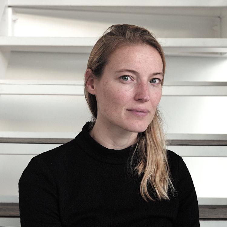 Loes-Rusch-Foto-Gemma-van-der-Heyden-JazzNu.com_ Subliem boek Jacqueline Oskamp over muziekarchieven