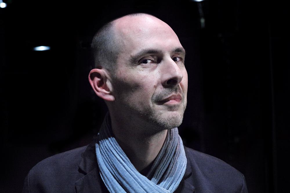Anthony-Fiumara-Foto-Gemma-van-der-Heyden-JazzNu.com_ Opening November Music groots en triomfantelijk