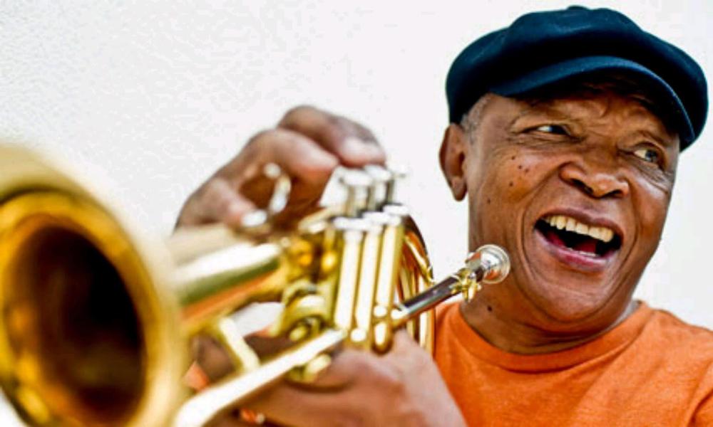 Hugh-Masekela-2-Foto-Sarah-Lee Hugh Masekela, dé bestrijder van apartheid, is dood