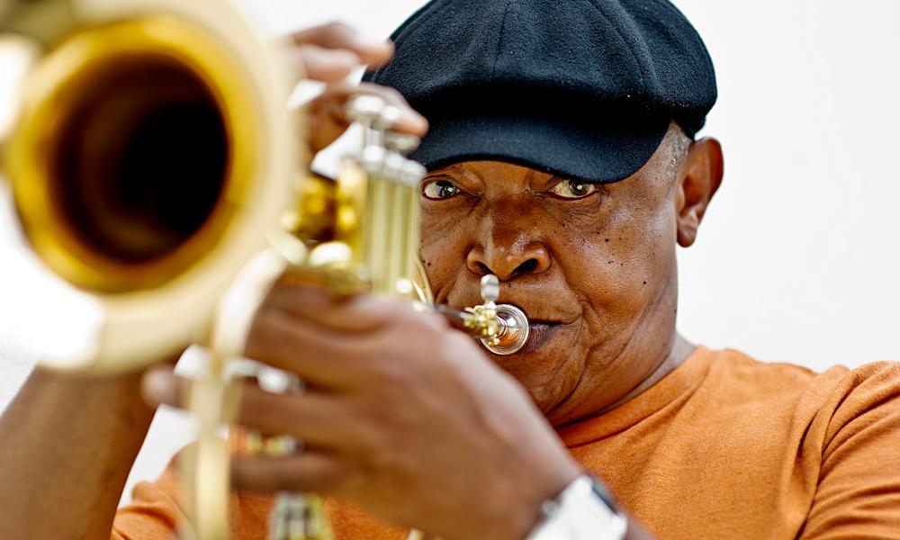 Hugh-Masekela-Foto-Sarah-Lee Hugh Masekela, dé bestrijder van apartheid, is dood