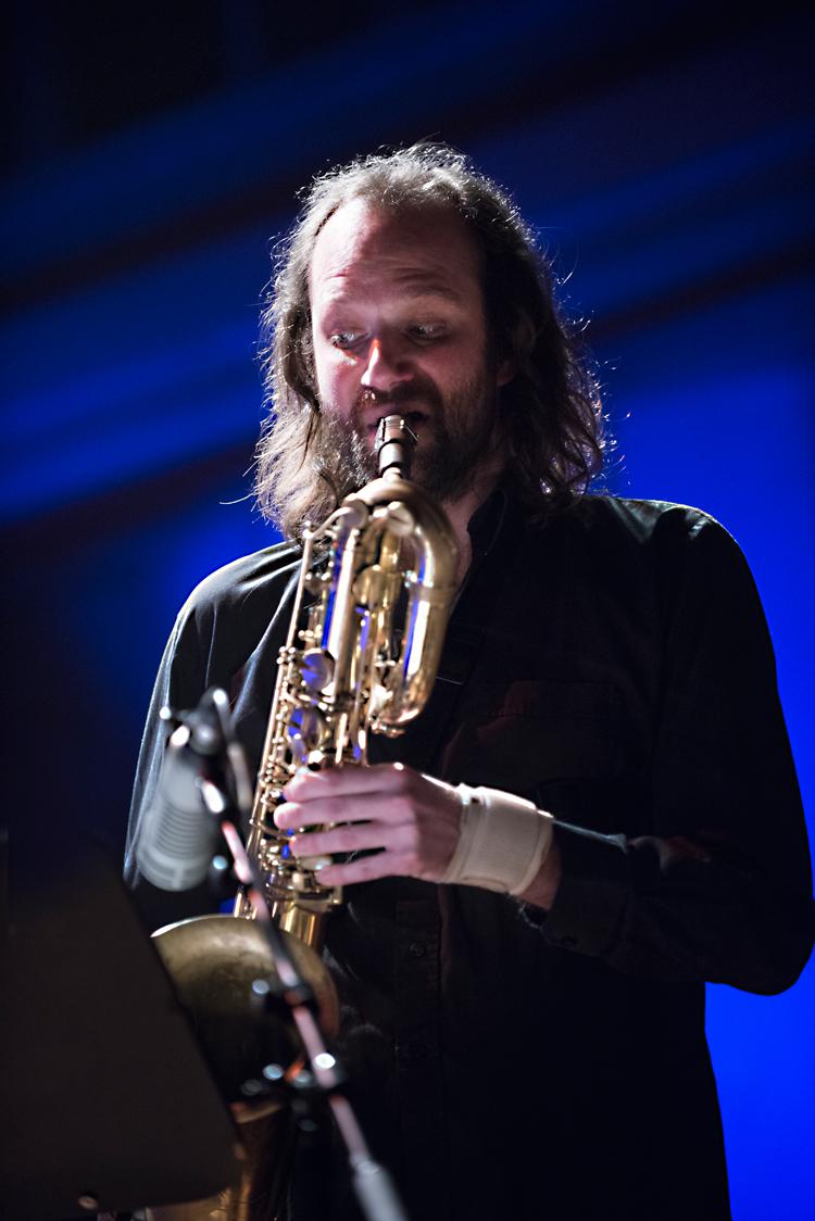 Vincent-Brijs-baritonsax-Foto-Jean-Schoubs Bram Weijters Crazy Men viert Belgische jazz jaren zeventig