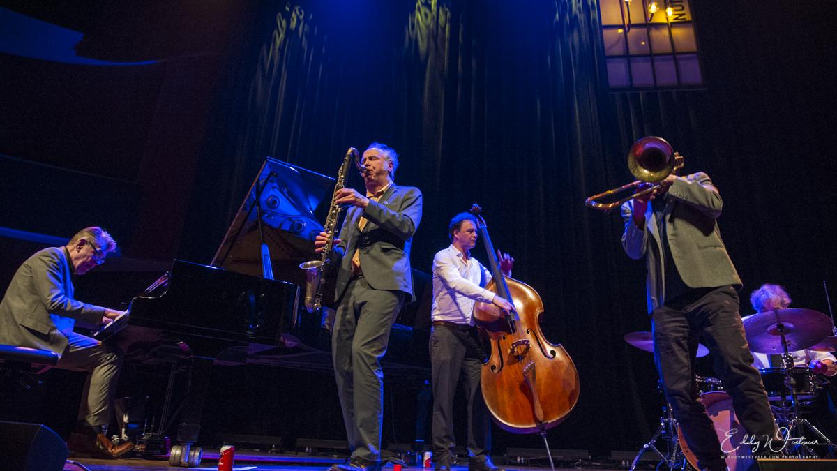 100-akoestische-muziek-in-Hertz_20180414_EWS6829_PHOTO-©-EDDY-WESTVEER TivoliVredenburg eclectische Muziektoren van Babel
