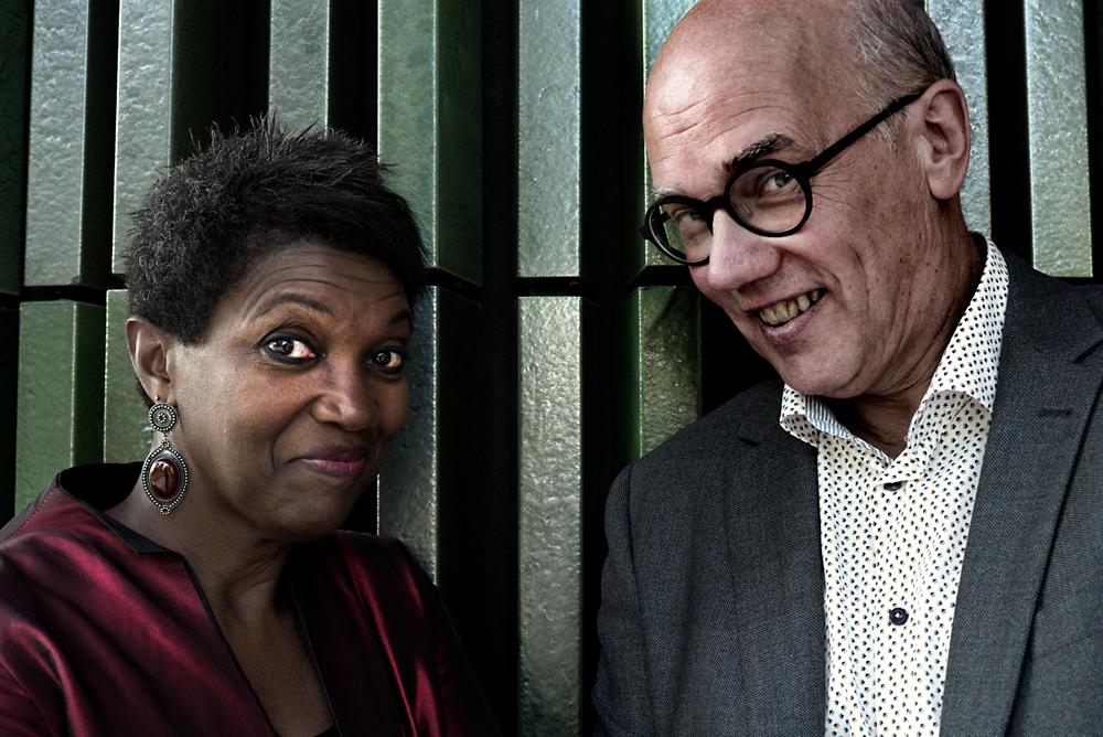 Claron-McFadden-en-Joan-Reinders-Foto-Gemma-van-der-Heyden-JazzNu.com_ Millennium Jazz Orchestra raakt aan ziel van Bernstein