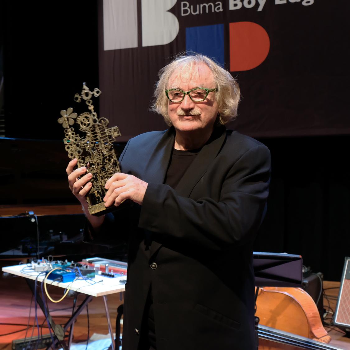 met-plastiek-Jan-Wolkers Uitreiking Boy Edgar Prijs vol schitterende optredens
