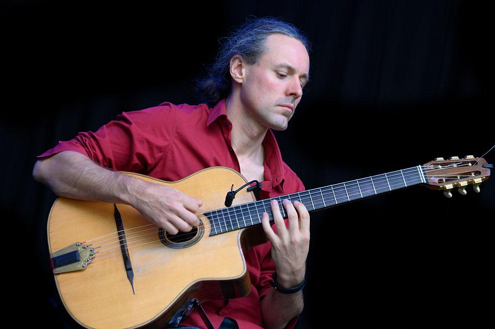nathan-daems-village-quartet-gitarist Brosella Festival België kiest voor de volle breedte