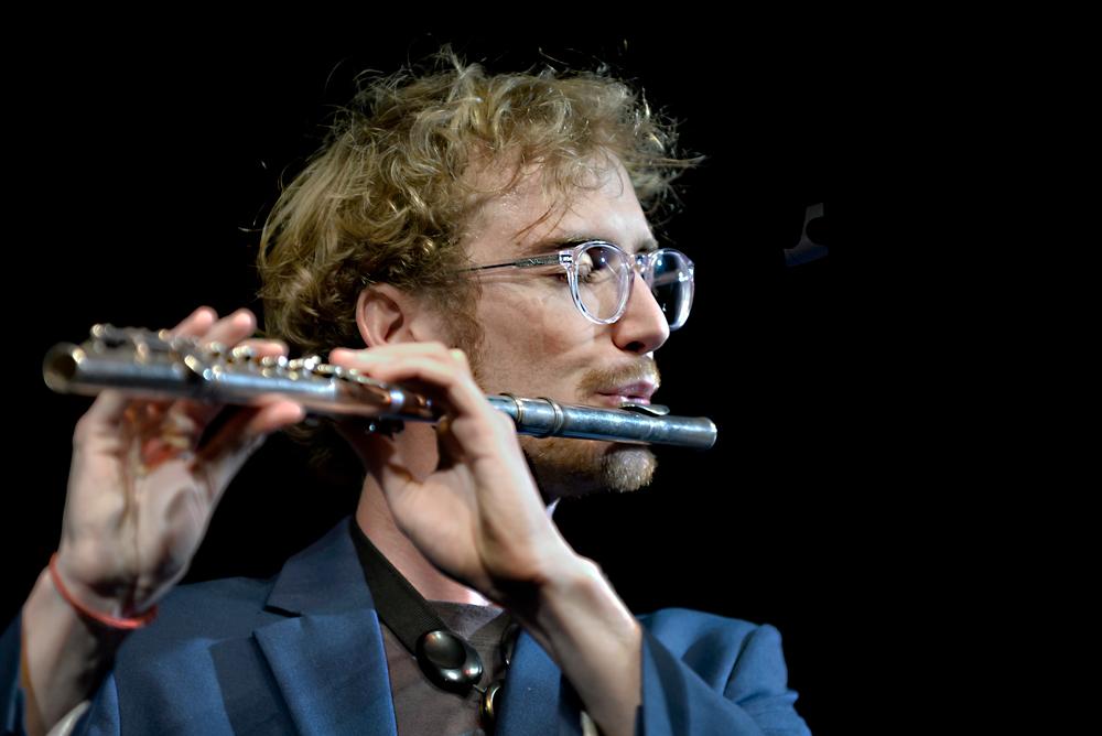 Laurent-Barbier-dwarsfluit.-Foto-Jeanschoubs Groovy klanken van Laurent Barbier Quartet in Luik