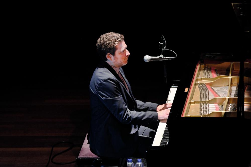 Kevin Hays wekte de indruk het stijlboek jazzpiano af te werken.