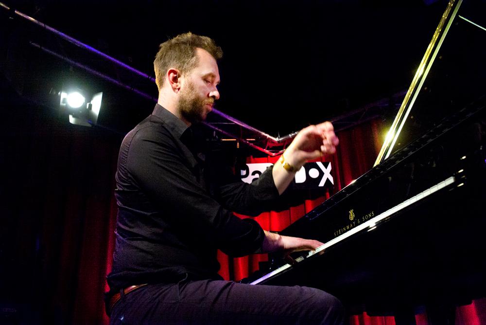 Eyolf Dale gaf de piano naast een romantisch kleurtje, er soms ook even goed van langs.