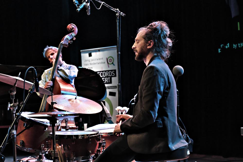 Keep-an-Eye-8-.-Foto-Tom-Beetz Bevlogen Keep an Eye: The (drie) Records in Concert