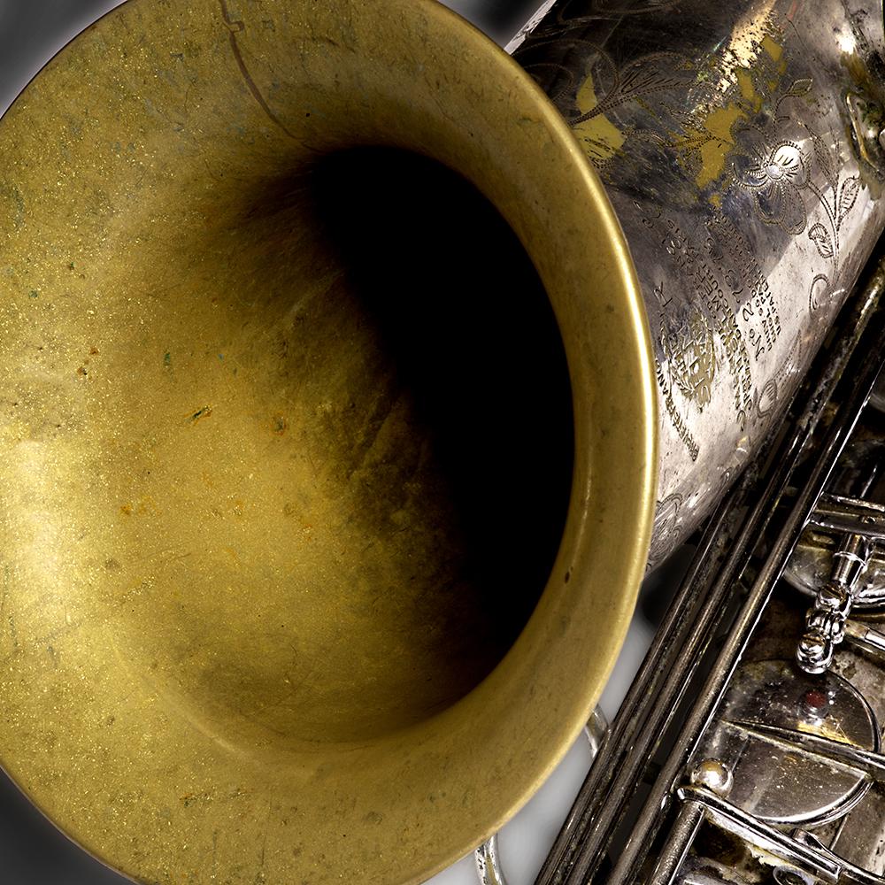 Ada Rave vindt dat ze met de Selmer Balance tenorsaxofoon meer haar eigen ding kan doen.