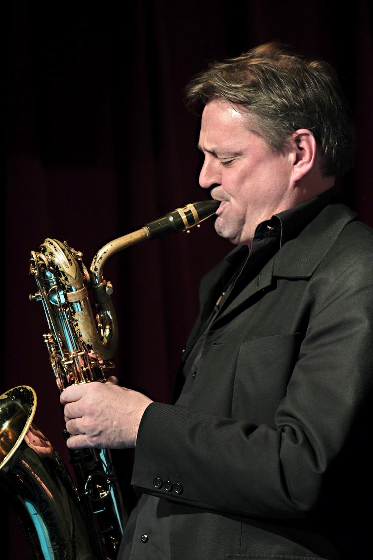Jan-Menu.-Foto-Tom-Beetz Paradox Jazz Orchestra staat meteen als een woudreus