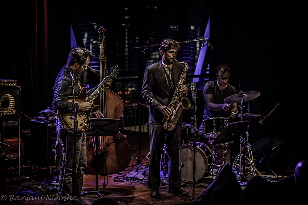 Trio-Jesse-van-Ruller-met-gast.-Foto-Ranjani-Nirosha Voorproefje Jazzfest A'dam in foto's vastgelegd
