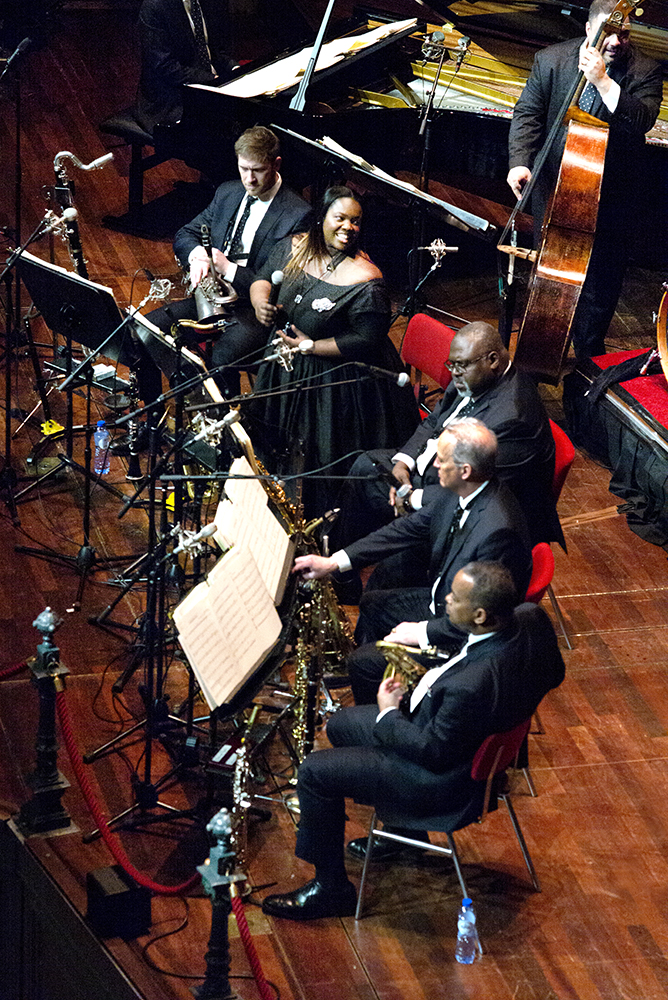 De rietsectie van het Jazz at Lincoln Center Orchestra.