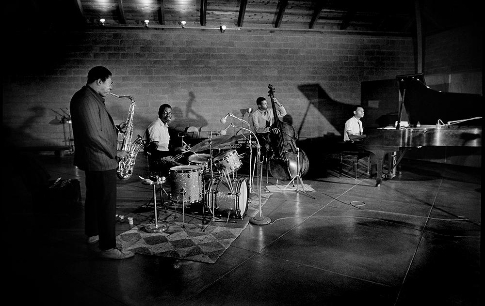 Het klassieke John Coltrane Quartet neemt op in de Van Gelder Studio's in het jaar 1973. Met John Coltrane, Elvin Jones, Jimmy Garrison en McCoy Tyner. Foto Jim Marshall.