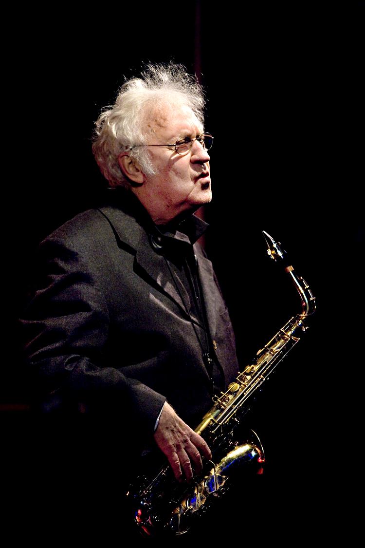 Lee-Konitz-Leiden-Jazzweek-2014-2-.-Foto-Tom-Beetz Altist Lee Konitz doorliep hogeschool jazzimprovisatie