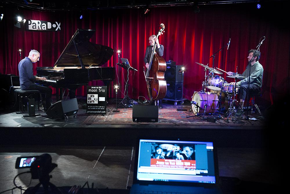 Moon-Trio.-Foto-Gemma-Kessels-JazzNu.com_ 1,5 Meter Sessie met MOON TRIO nieuwe concertbeleving