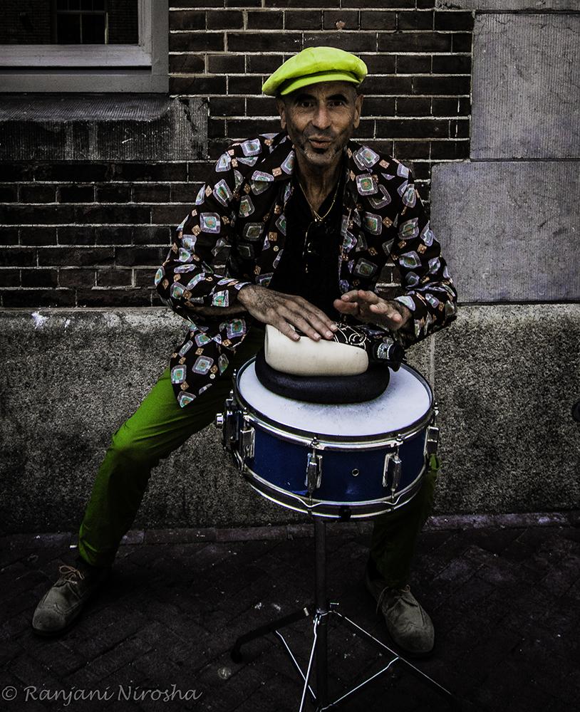 """Roberto Haliffi: """"Hey, I love music, al meer dan vijftig jaar."""" Foto Ranjani Nirosha"""