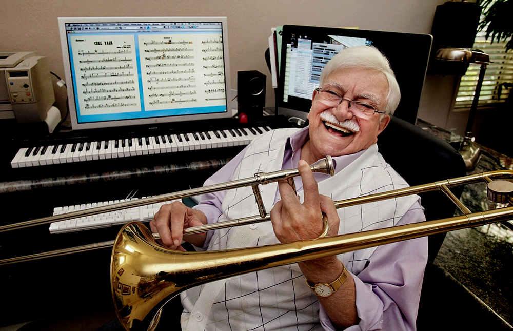 Sammy Nestico, trombonist, componist, arrangeur en zonder uitzondering goedlachse dienaar van de jazz. Fotograaf onbekend