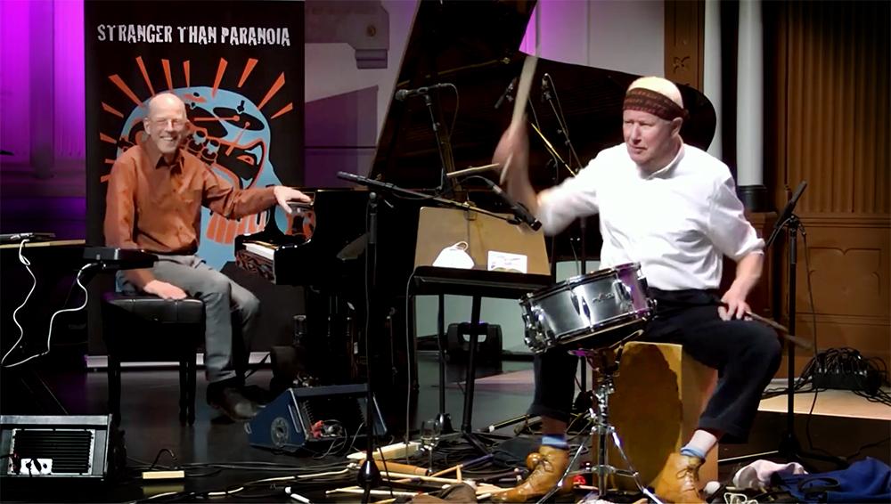 Guus Janssen en Han Bennink openden fel improviserend het 28e Stranger Than Paranoia Festival.