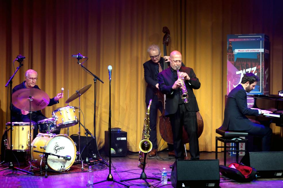 Het Ben van den Dungen Quartet met Eric Ineke, Marius Beets, Ben van den Dungen en Miguel Rodriguez bracht een ode aan John Coltrane.